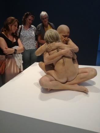 'Embrace' van Marc Sijan