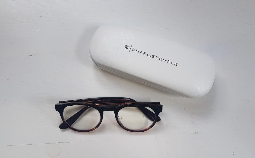 Een bril?!