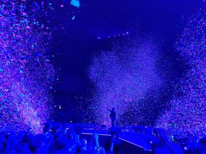 Matt Bellamy en confetti