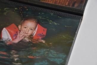 Zwemmen met zwembandjes
